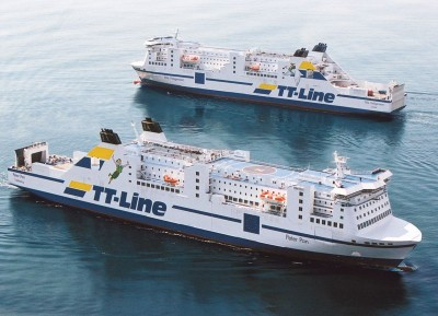 Die Fähren Nils Holgersson und Peter Pan begegnen sich auf der Ostsee.