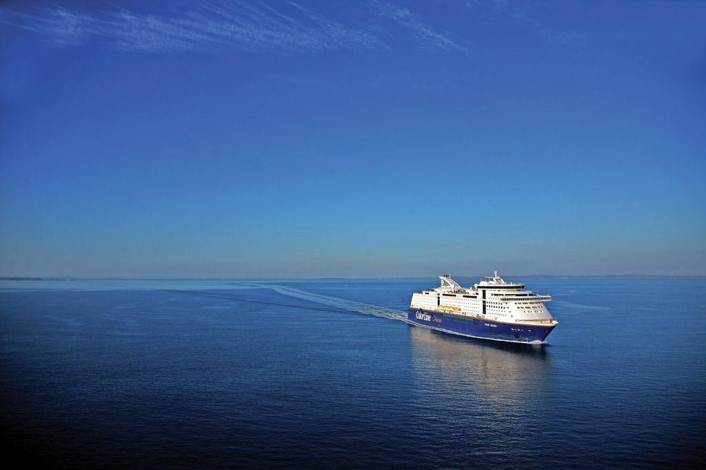 Die Kreuzfahrtfähre Color Fantasy auf der Ostsee