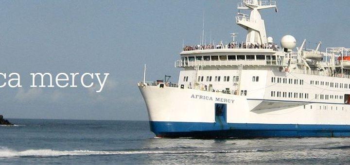 Das Krankenhausschiff Africa Mercy von Mercy Ships
